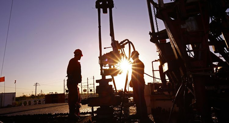 Investors Suggest Big Oil Firms to Break Dividend Taboo As Debt Elevates